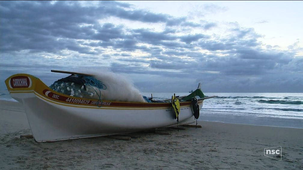 Amanhecer em Florianópolis na praia do Campeche (Foto: Reprodução/ NSC TV)