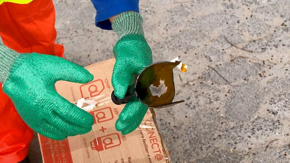 Coletores de Vila Velha vão poder receber vidro de moradores e comerciantes — Foto: Reprodução/TV Gazeta