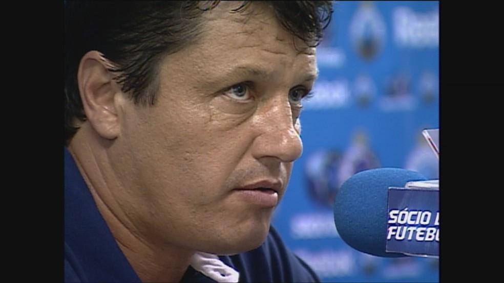 Adilson Batista treinou o Cruzeiro em 2009 — Foto: Reprodução / TV Globo Minas