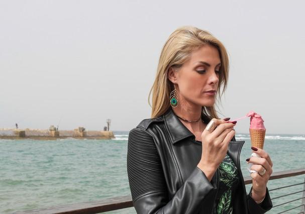 Ana Hickmann no porto de Jaffa (Foto: Denis Albuquerque)