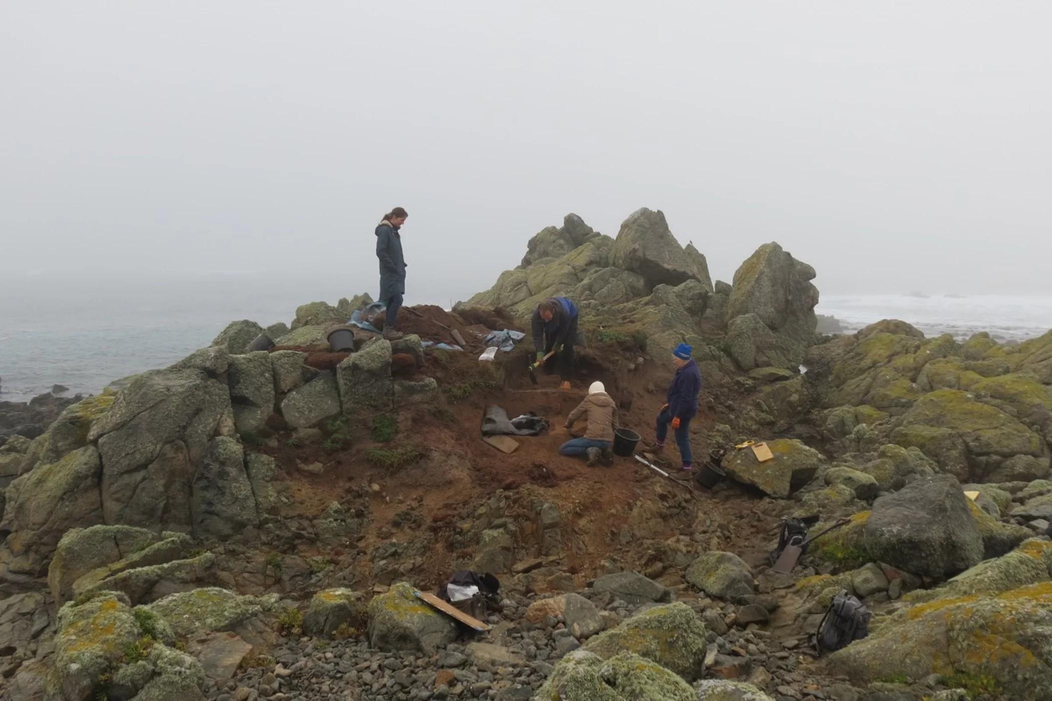 Arqueólogos encontraram resquícios de homem que morreu de lepra há centenas de anos (Foto: Arqueologia de Guernsey)