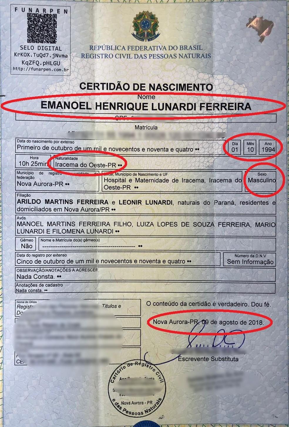 Nova certidão de nascimento alterou antigo nome e sexo de nascimento do policial para aquele que ele gostaria que fosse reconhecido: Emanoel Henrique Lunardi Ferreira, masculino — Foto: Reprodução/Divulgação/Arquivo pessoal