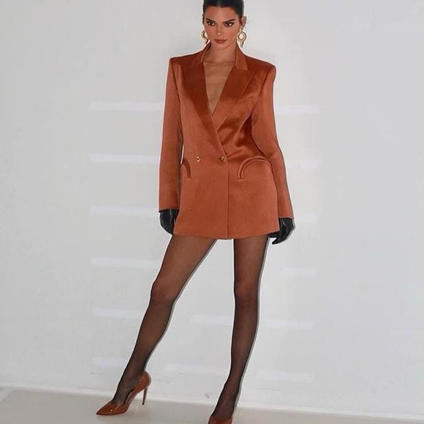 """""""Eu deveria ser sexy como elas"""", diz Kendall Jenner ao se comparar com irmãs"""