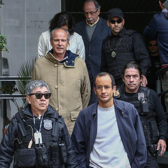 O empreiteiro Marcelo Odebrecht foi preso em 2015 em uma das fases da Lava Jato. Com a operação, a corrupção entrou de vez na agenda nacional, sensibilizando a opinião pública e atormentando os políticos (Foto: GERALDO BUBNIAK)