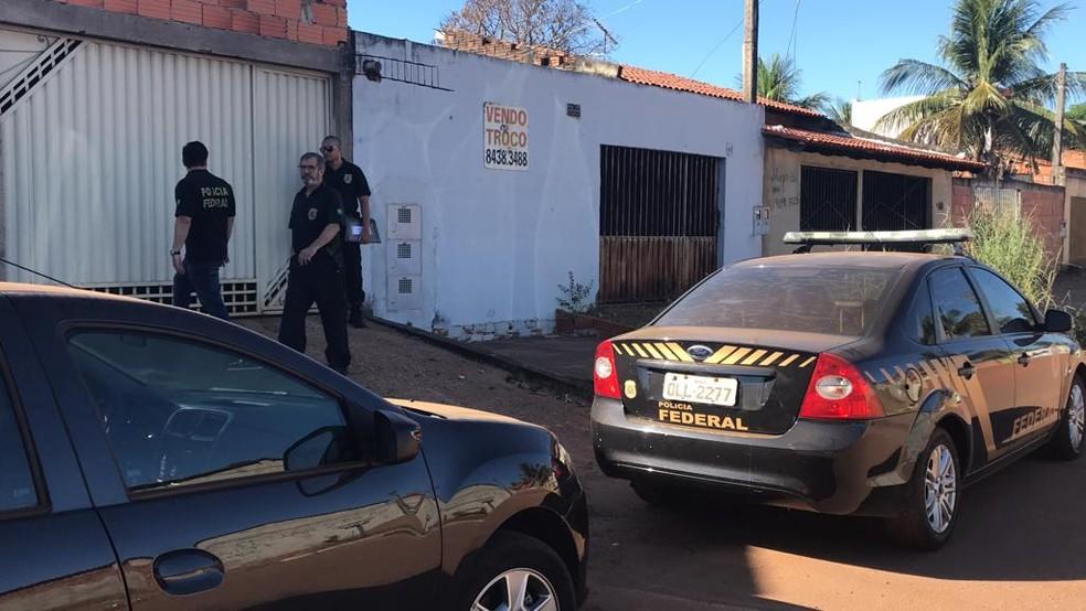 PF cumpriu mandado em casa na região sul de Palmas (Foto: Cassiano Rolim/TV Anhanguera)