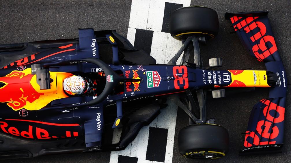 Com uma volta no fim do treino, Max Verstappen arrancou a terceira posição na classificação — Foto: Dan Istitene/F1 via Getty Images