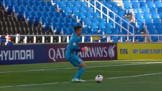 Filho de Klinsmann falha feio, mas EUA arrancam empate com o Equador no fim