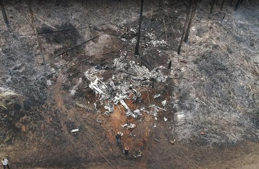 Área onde avião caiu, nas proximidades da Fatec, em Piracicaba — Foto: Drone César Cocco