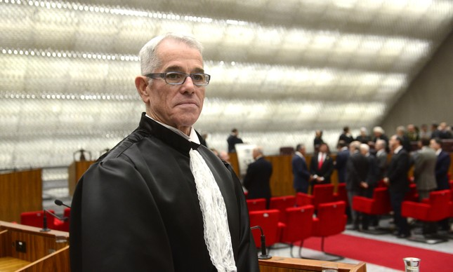 Cabral recebeu propina de 5% nas obras do Maracanã — Cavendish
