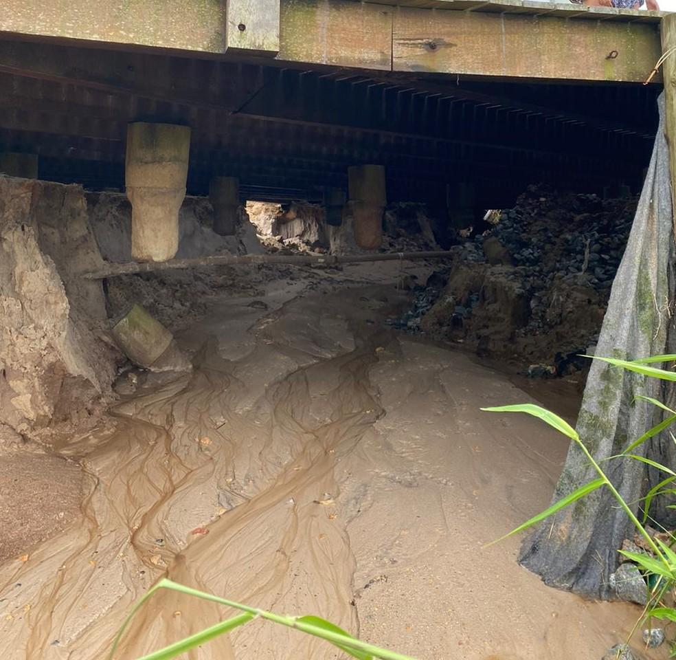 Praças, ruas e saídas de praia foram afetadas pelas fortes chuvas em Bombinhas — Foto: Divulgação/Prefeitura de Bombinhas
