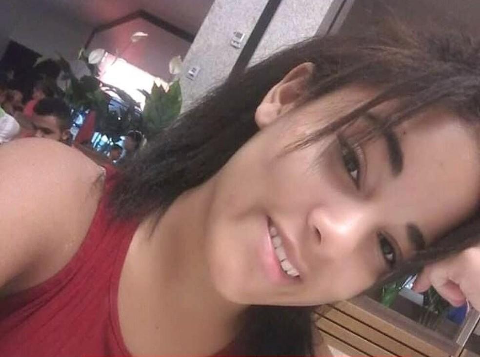 Giovanna Gabriely, de 17 anos, desapareceu após terminar a prova do Enem, no último domingo (3), em Teresina — Foto: Divulgação