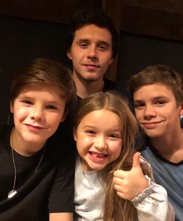 Brooklyn, Harper, Romeo e Cruz: os quatro filhos do casal Victoria e David Beckham (Foto: Reprodução/Instagram)