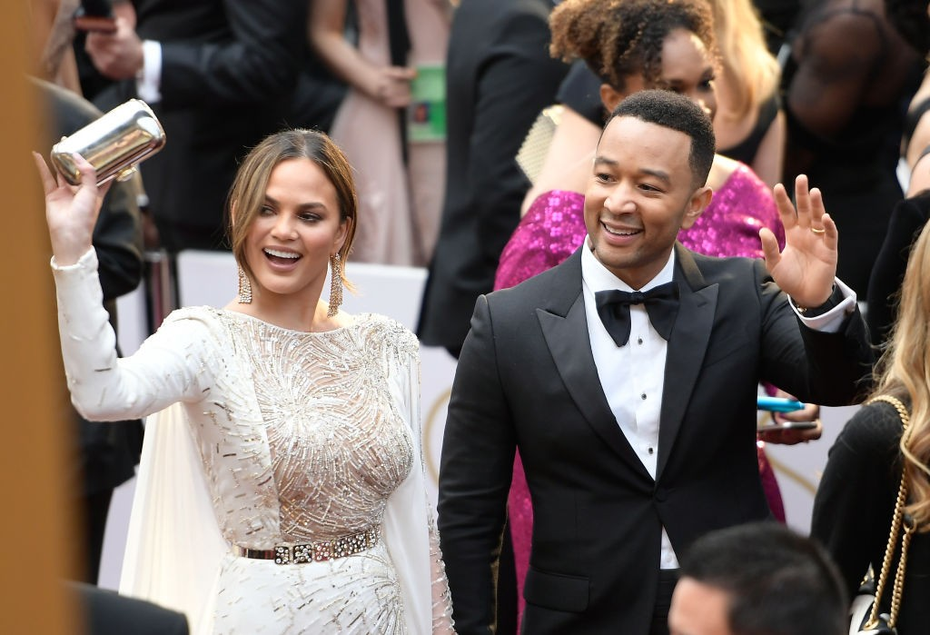 Chrissy Teigen com o marido, o cantor John Legend (Foto: Getty)