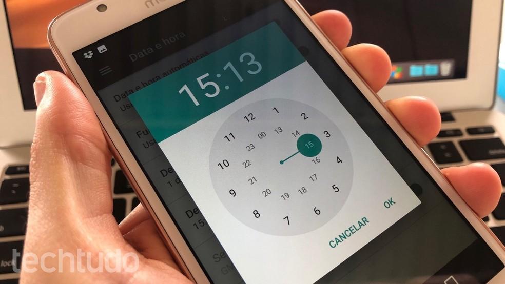 Configure a hora no Android para evitar confusão com horário de verão 2019 — Foto: Reprodução/Helito Beggiora