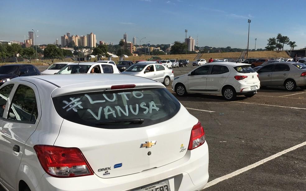Motoristas de aplicativo fazem protesto após morte de colega, em Goiânia â?? Foto: Reprodução/TV Anhanguera
