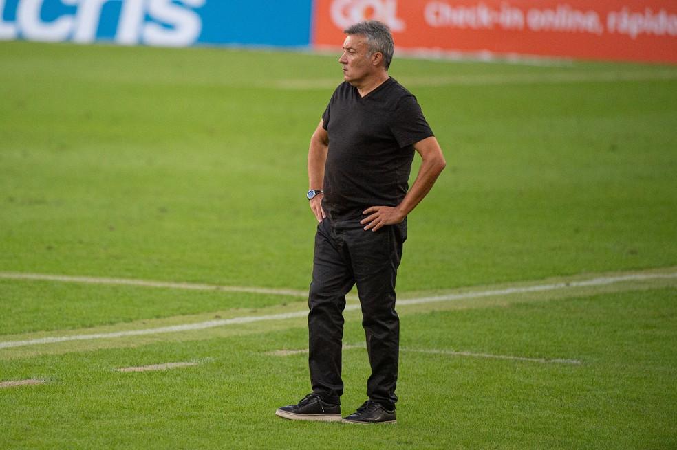 Dome trocou duas peças contra o Coritiba, mas conseguiu única vitória — Foto: Alexandre Vidal/Flamengo
