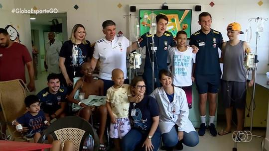 Seleção Brasileira visita Hospital do Câncer em Goiânia