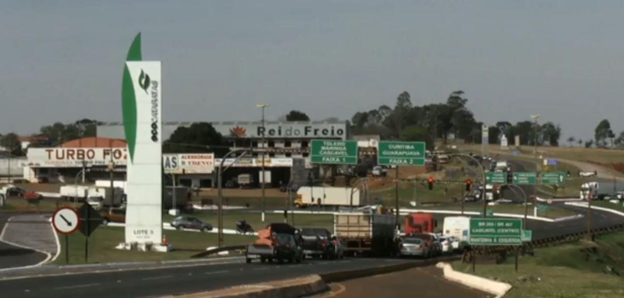Trevo Cataratas é parcialmente bloqueado para obras, em Cascavel, neste sábado (4)