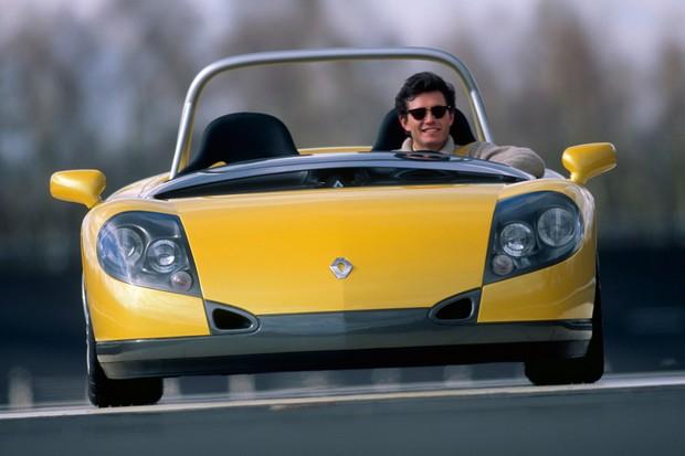 O Renault Sport Spider tinha um defletor de vento no lugar do para-brisa (Foto: Divulgação)
