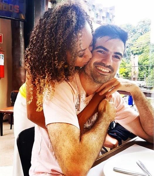 Aretha Oliveira e o marido (Foto: Reprodução / Instagram)