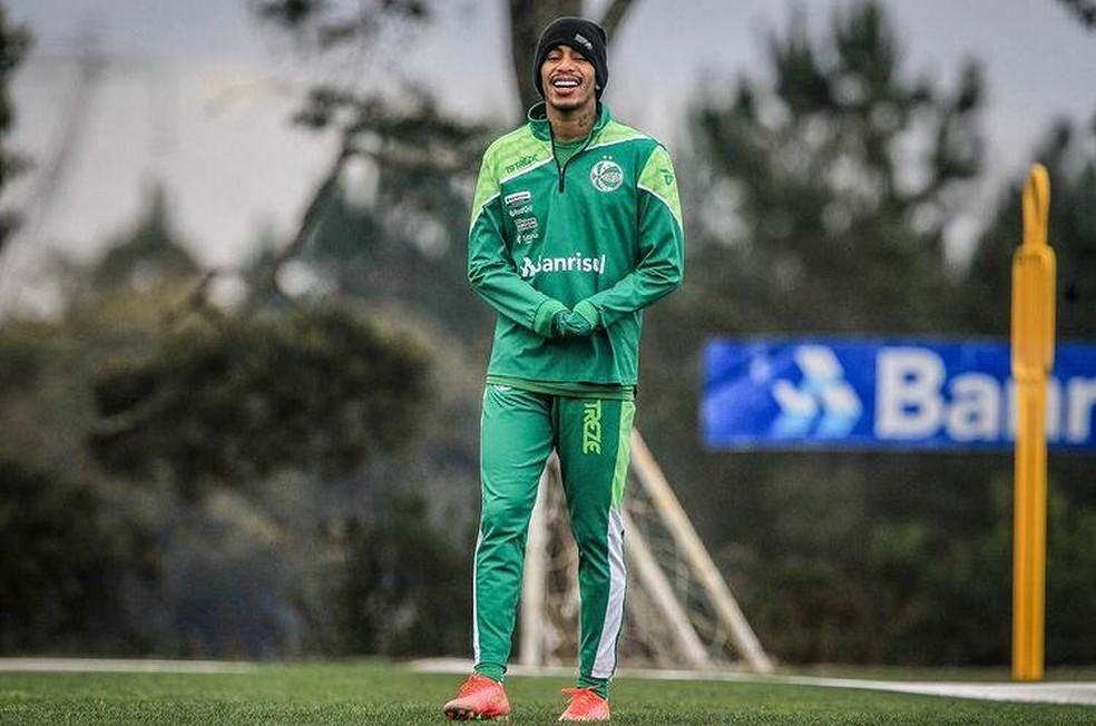Paulinho Boia em treinamento do Juventude — Foto: Fernando Alves/E.C Juventude