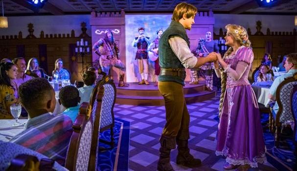 Restaurante Rapunzel's Royal Table, no navio Disney Magic (Foto: Divulgação)