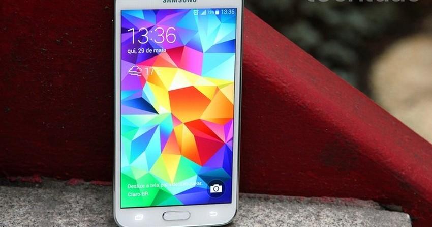 Vale a pena comprar o Galaxy S5 ou é melhor esperar pelo Galaxy S6?