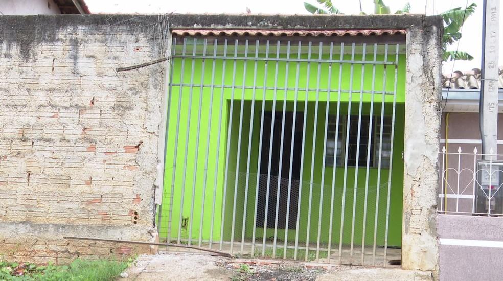 Polícia investiga morte de idosa de 62 anos asfixiada pelo sobrinho, em Ponta Grossa — Foto: Reprodução/RPC