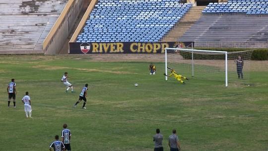 Maradona cita cansaço dos jogadores e busca solução para amenizar desgaste do time