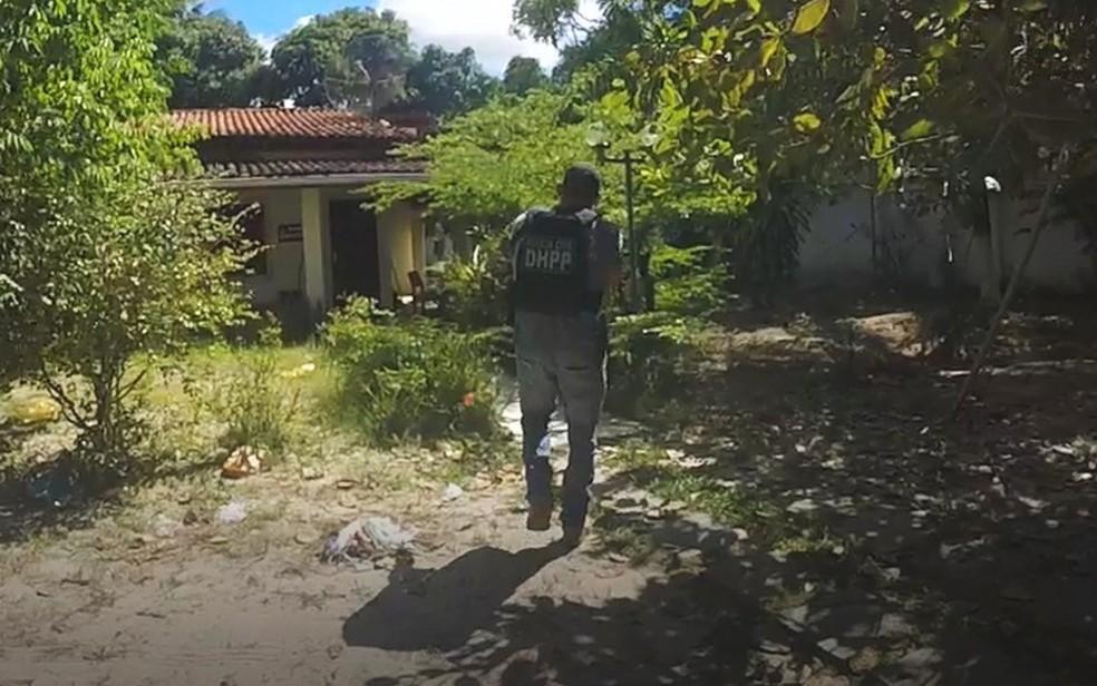Ação foi realizada após informação de que droga apreendida em Salvador, em 10 de maio, teria sido refinada na chácara em Monte Gordo — Foto: Divulgação/SSP-BA