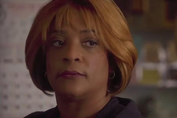 A atriz DuShon Monique Brown em cena da série Chicago Fire (Foto: Reprodução)