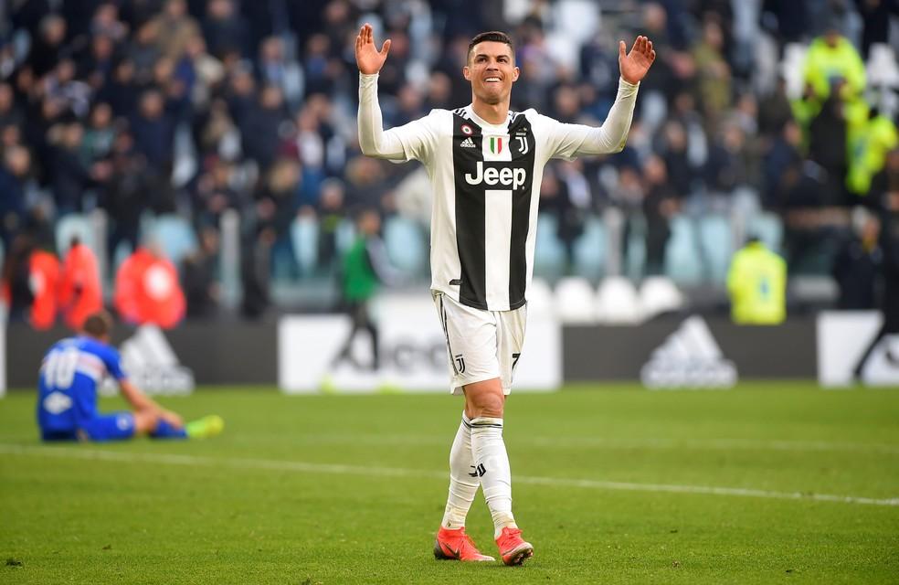 Cristiano Ronaldo é o artilheiro do Campeonato Italiano com a camisa da Juventus: 14 gols — Foto: REUTERS/Massimo Pinca