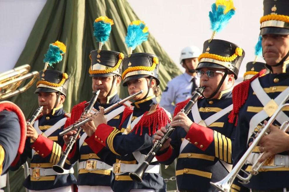 Apenas uma mulher faz parte da Banda do Imperador, que tem 100 integrantes.  — Foto: Divulgação/Exército