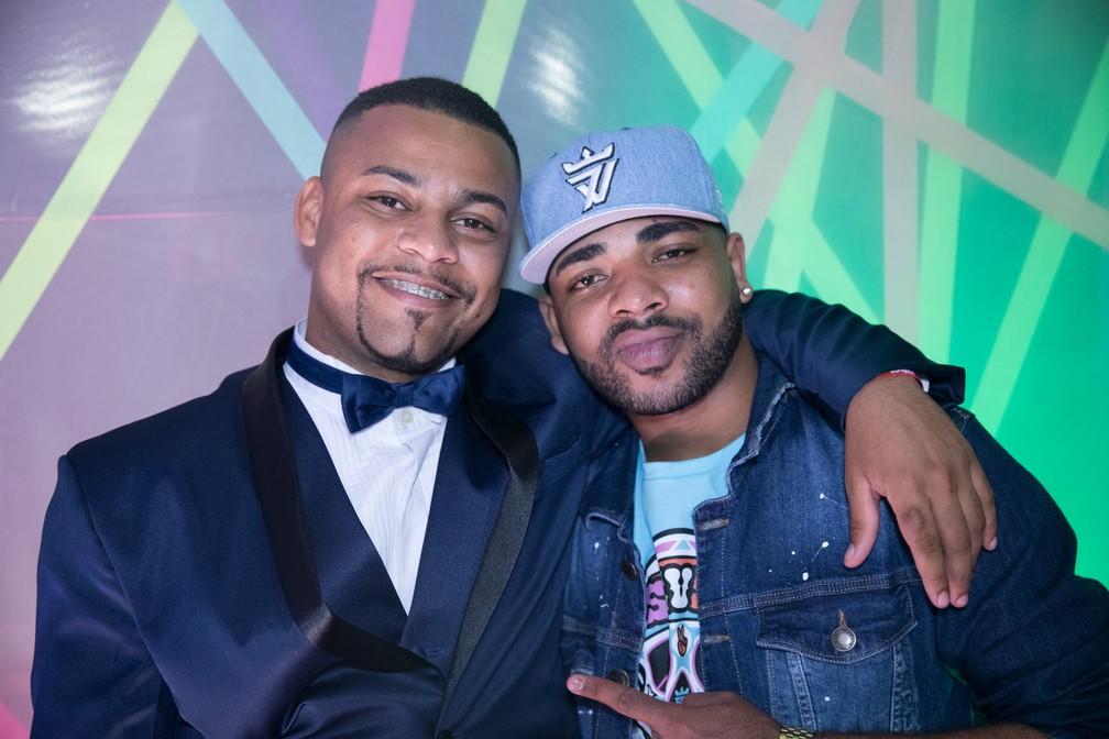 MC Juninho FSF e MC Fernandinho FN no Prêmio Sexy Hot 2018 — Foto: Celso Tavares/G1