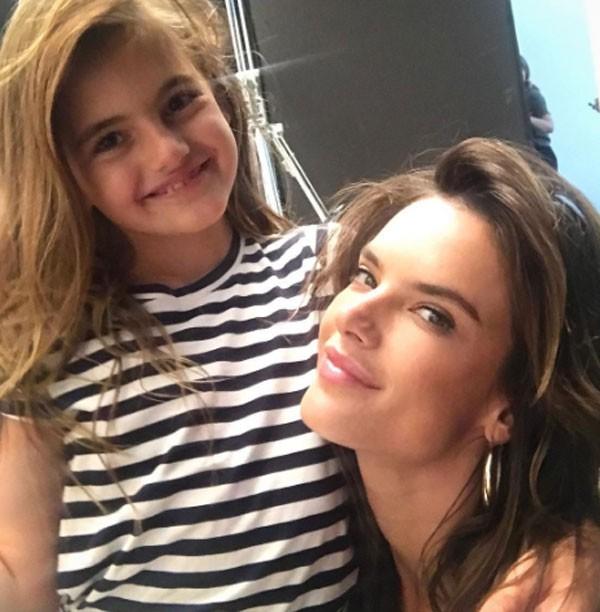 Alessadra e a filha Anja  (Foto: Reprodução/Instagram)