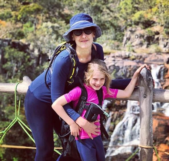 Paola com a filha Francesca, em férias em Goiás (Foto: Reprodução Instagram)