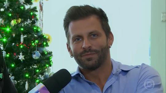 Henri Castelli fala sobre o Natal em família e conta plano para dia seguinte da ceia: 'Vou correr'