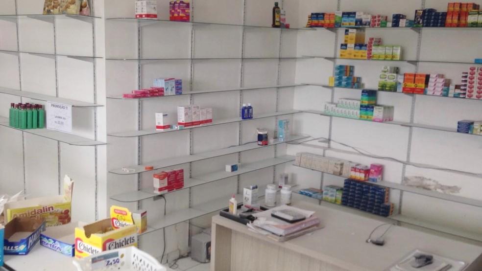 Boa parte dos medicamento e outros produtos foram levados (Foto: Marksuel Figueredo/Inter TV Cabugi )
