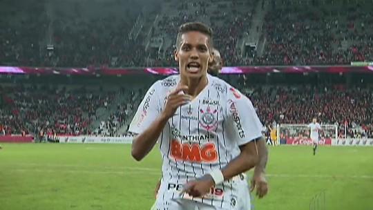 São Paulo empata com o Bahia e Corinthians vence o Atlético Paranaense neste domingo