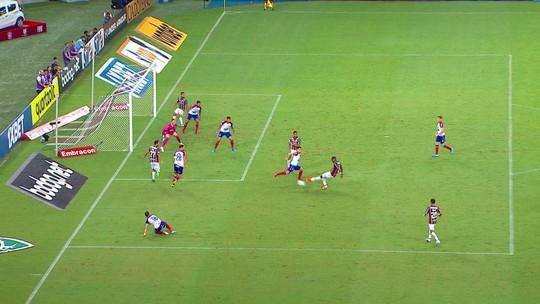 """Roger vê jogo ruim do Bahia em noite com """"nível de concentração baixo"""": """"Bola não aceita desaforo"""""""