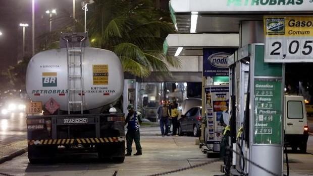 O preço do diesel continua a cair nos postos, após o governo ter decidido subvencionar o combustível (Foto: Reuters)