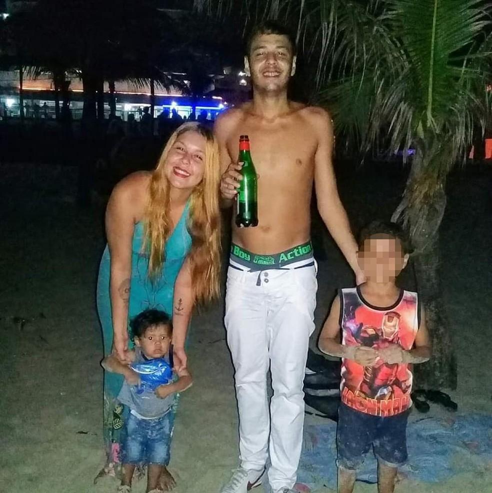 Mãe e padrasto são suspeitos de agredirem bebê em Praia Grande (SP) — Foto: Reprodução/Facebook