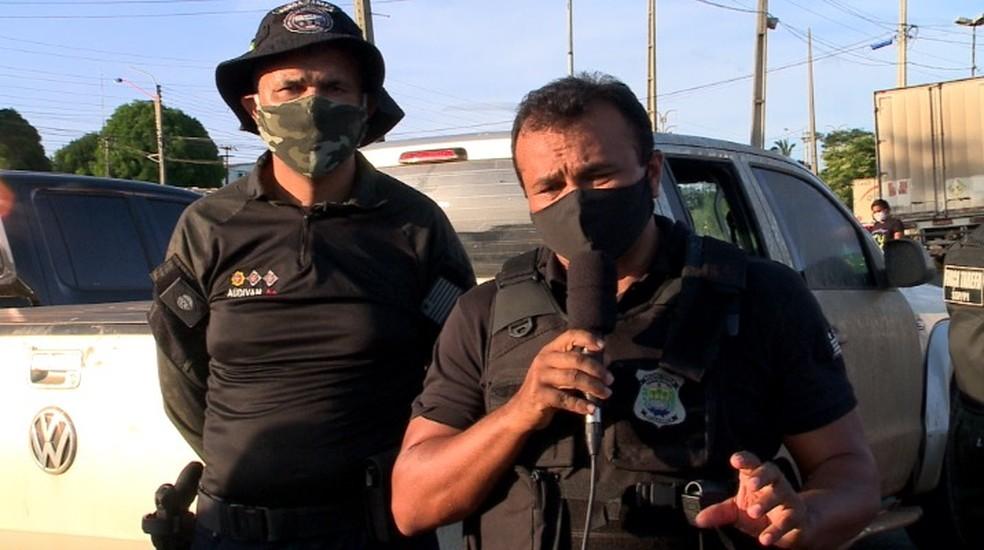 Major Audivan Nunes, coordenador da Força Tarefa da SSP-PI e o secretário Fábio Abreu — Foto: Reprodução/TV Clube
