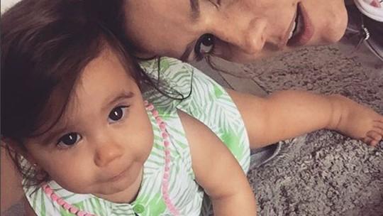Deborah Secco comemora aniversário de 3 anos da filha Maria Flor com tema de princesa