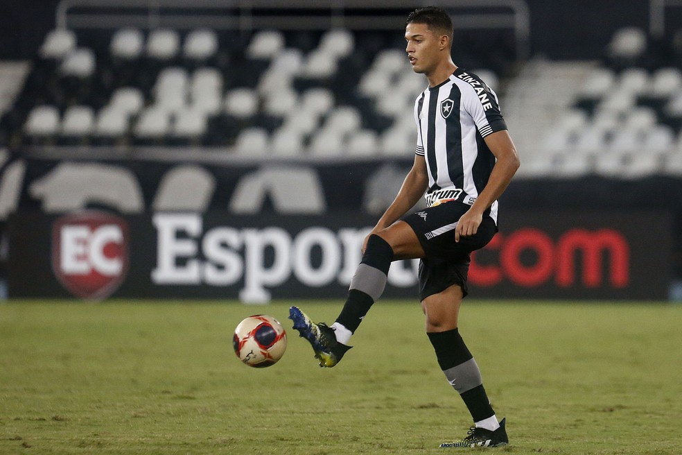Sousa vai para o Cercle Brugge, da Bélgica — Foto: Vitor Silva/Botafogo