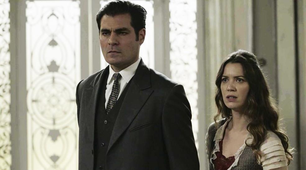 A decepção de Darcy com as atitudes de Julieta lhe custa o próprio emprego  (Foto: TV Globo)