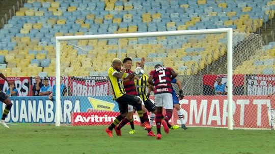 Após erros em Flamengo x Volta Redonda, árbitro e assistente são afastados no Campeonato Carioca
