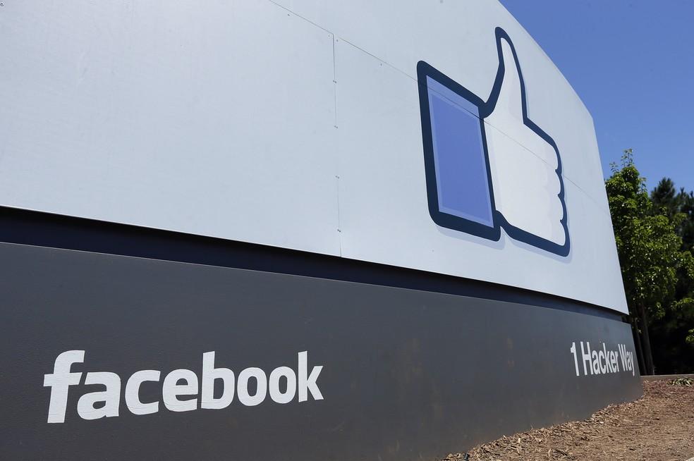 Facebook está investigando o ataque com o FBI  — Foto: Ben Margot/AP