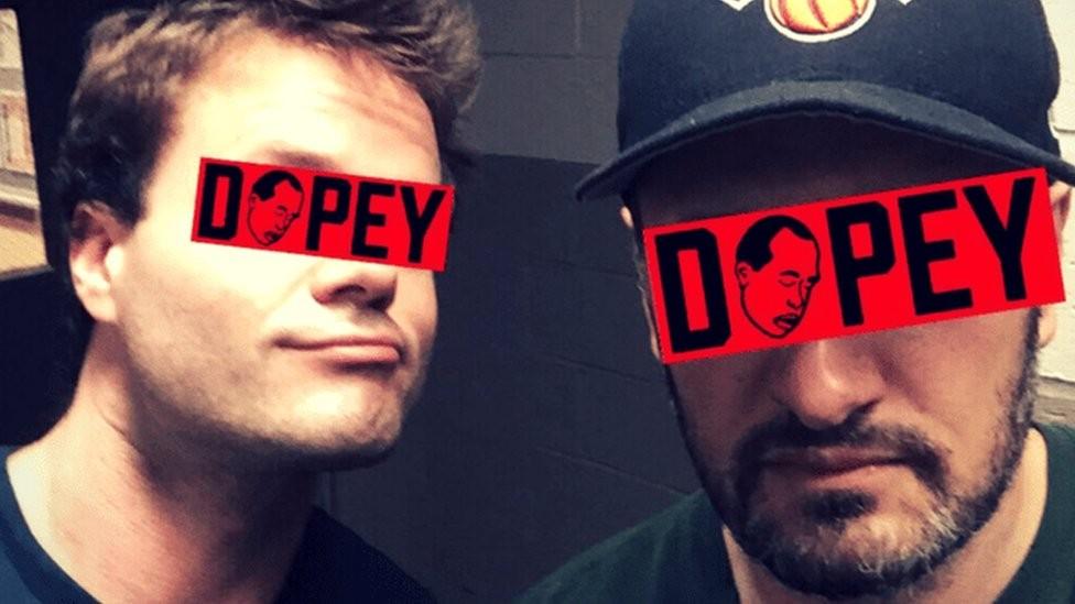 Dopey: o podcast de ex-dependentes de heroína que atrai milhões de ouvintes