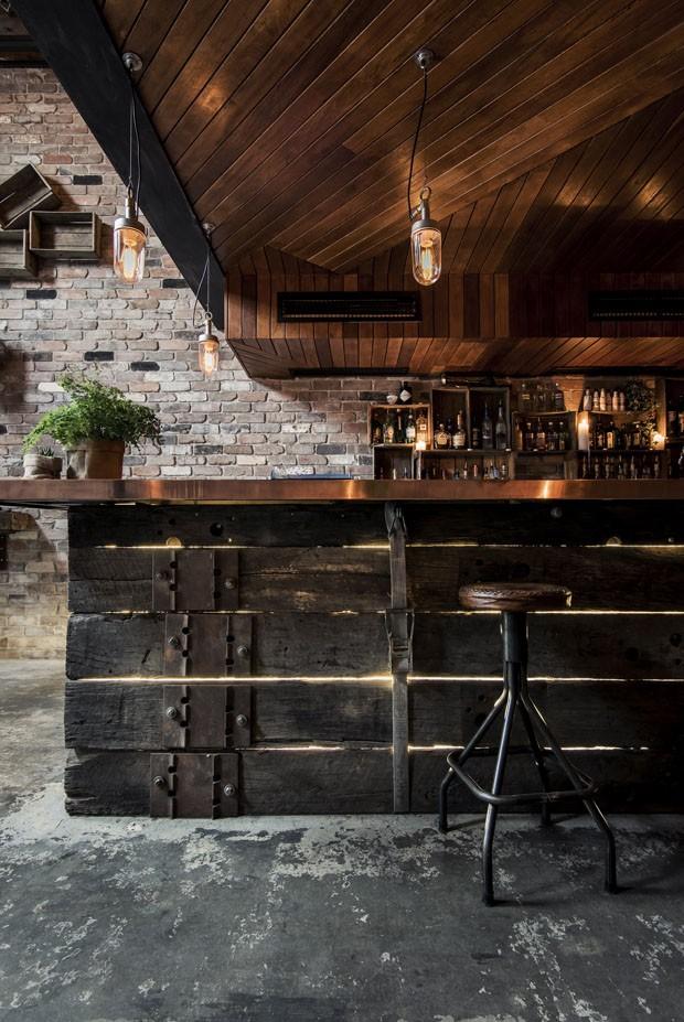 Bar com decoração rústica